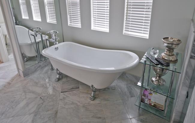 5 raisons de dire adieu au tapis de bain antid rapant grip for Emploi carrelage